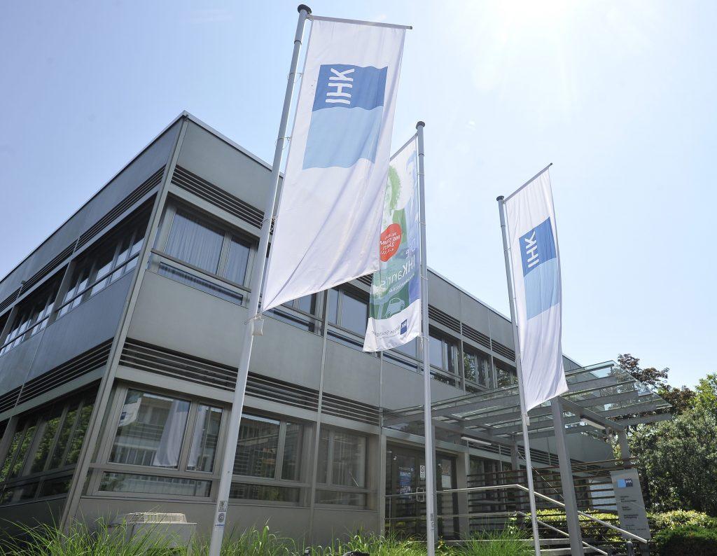 Bildungspartnerschaft Bw Bank Kooperiert Mit Gymnasien Im Ellental