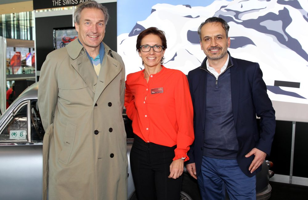 Von links: SKH Herzog Eberhard von Württemberg; Gaby Meier, Projektleiterin Retro Classic; Ayhan Günes, Geschäftsführer Online-Zeitung Ludwigsburg24