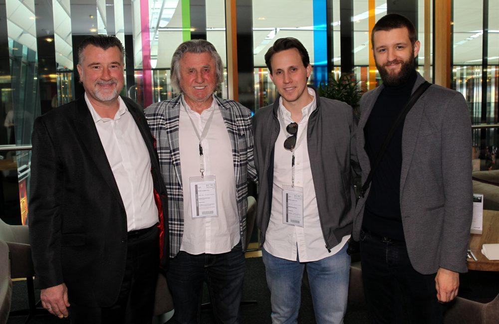 Links: Markus Kusterer, Geschäftsführer PV.A Leasing gemeinsam mit seinem Team