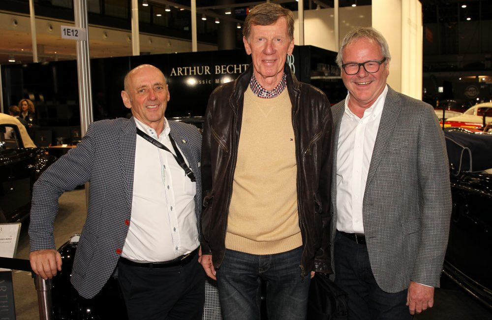 Rally Legende Walter Röhrl (Bildmitte); Thomas Brunold, Geschäftsführer Autohaus Brunold (rechts); Arthur Bechtel, Geschäftsführer Arthur Bechtel Classic Motors